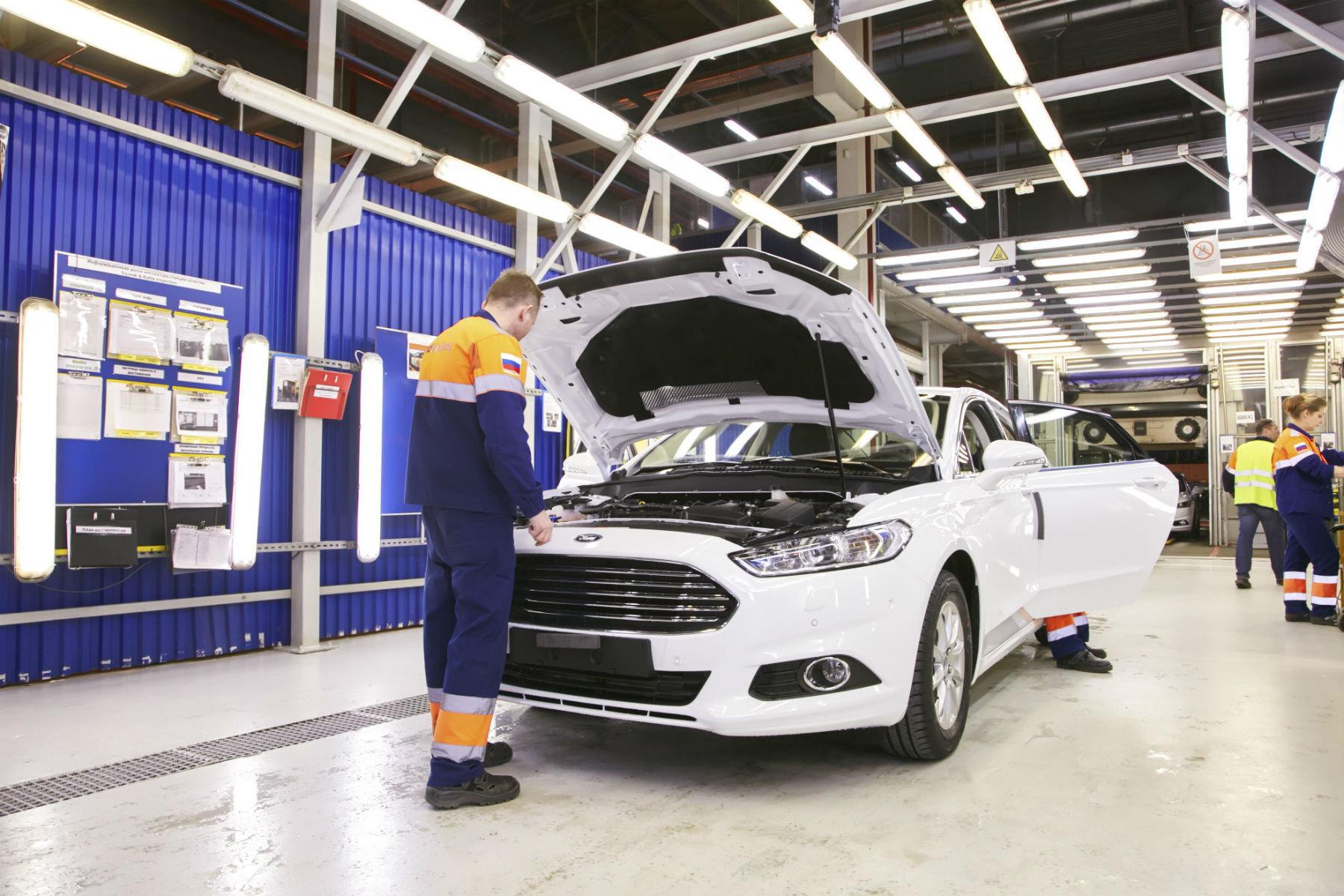 Крупный американский автоконцерн продает заводы в России