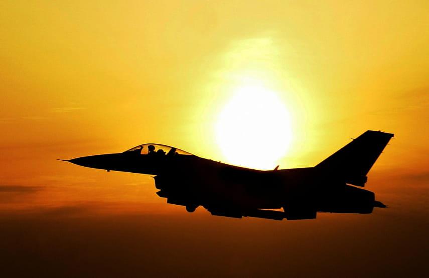Спасение «рожденного ползать», или «Кривое» дефиле Су-57