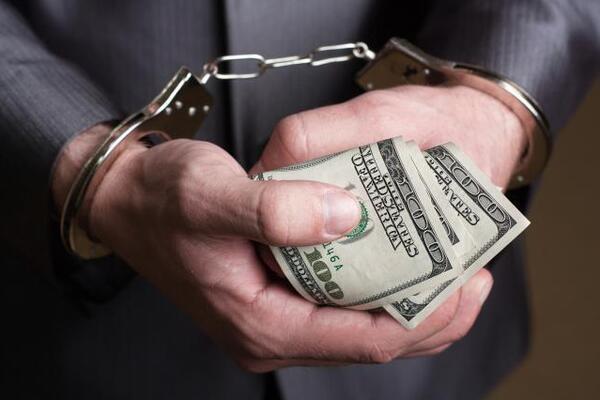 Коррупционеров казнили: страх наказания превышал желание взять взятку