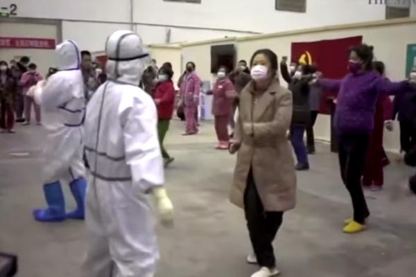 В Китае врачи устроили танцы с больными коронавирусом: веселое видео