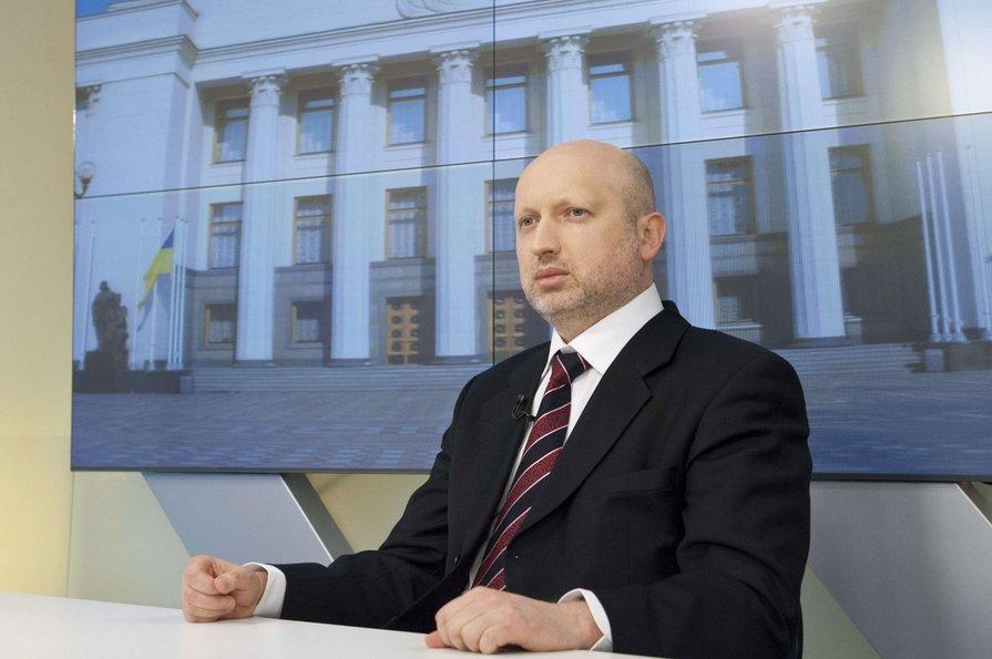 Турчинов: На Донбассе полгода назад выключили устройства, глушившие российское телевидение