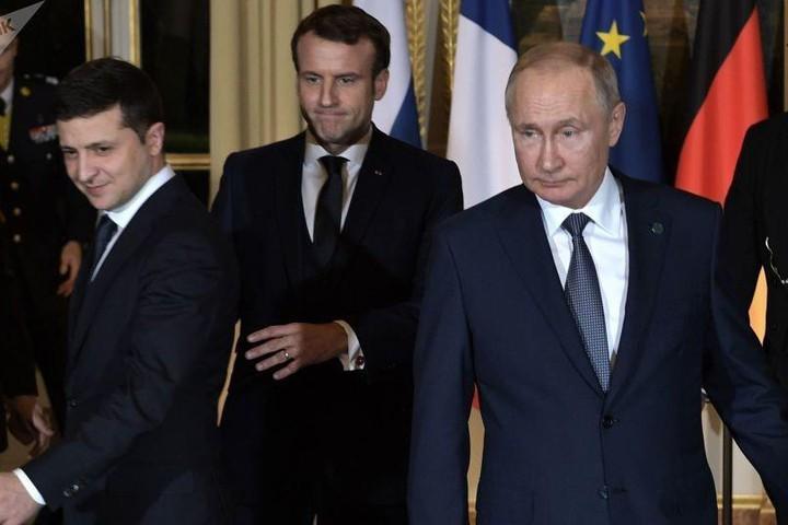 На самом деле дедлайн Зеленский ставит для себя и серьезные уступки будет делать вовсе не Москва…