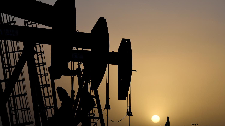 Бесплатно нефть не берут, надо приплачивать
