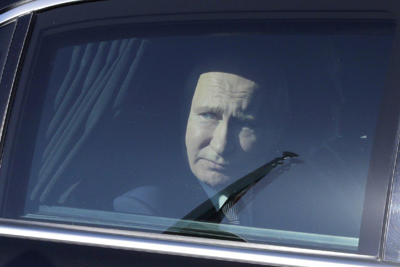 Зачем Путин ездит к алтайским шаманам?