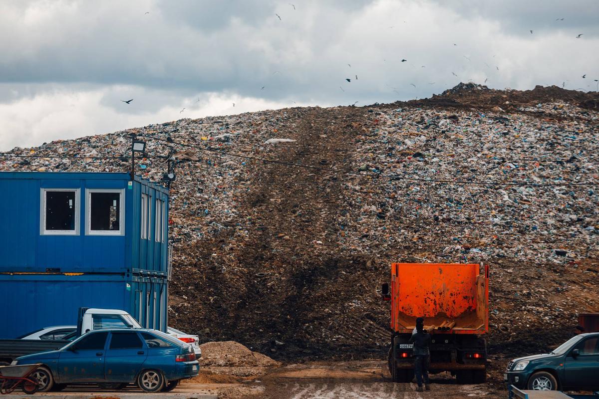 Люди из окружения Путина поделили мусорный рынок в РФ на 2 трлн рублей