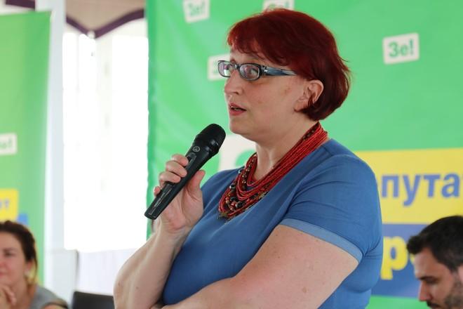 Оскандалившаяся «слуга» Третьякова обвинила родственников пропавших без вести на Донбассе в обмане из-за «больших денег»
