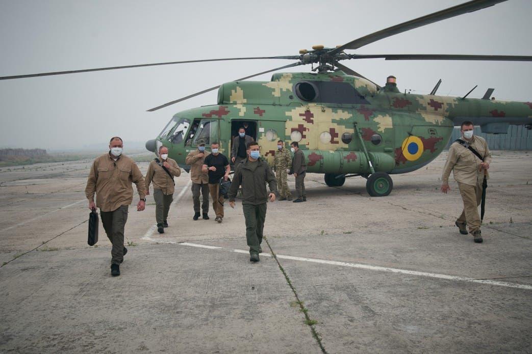 Зеленский приказал тушить пожар на Луганщине авиацией, несмотря на угрозу со стороны боевиков